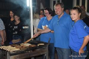 Motivierte Helfer beim Kirchplatzfest